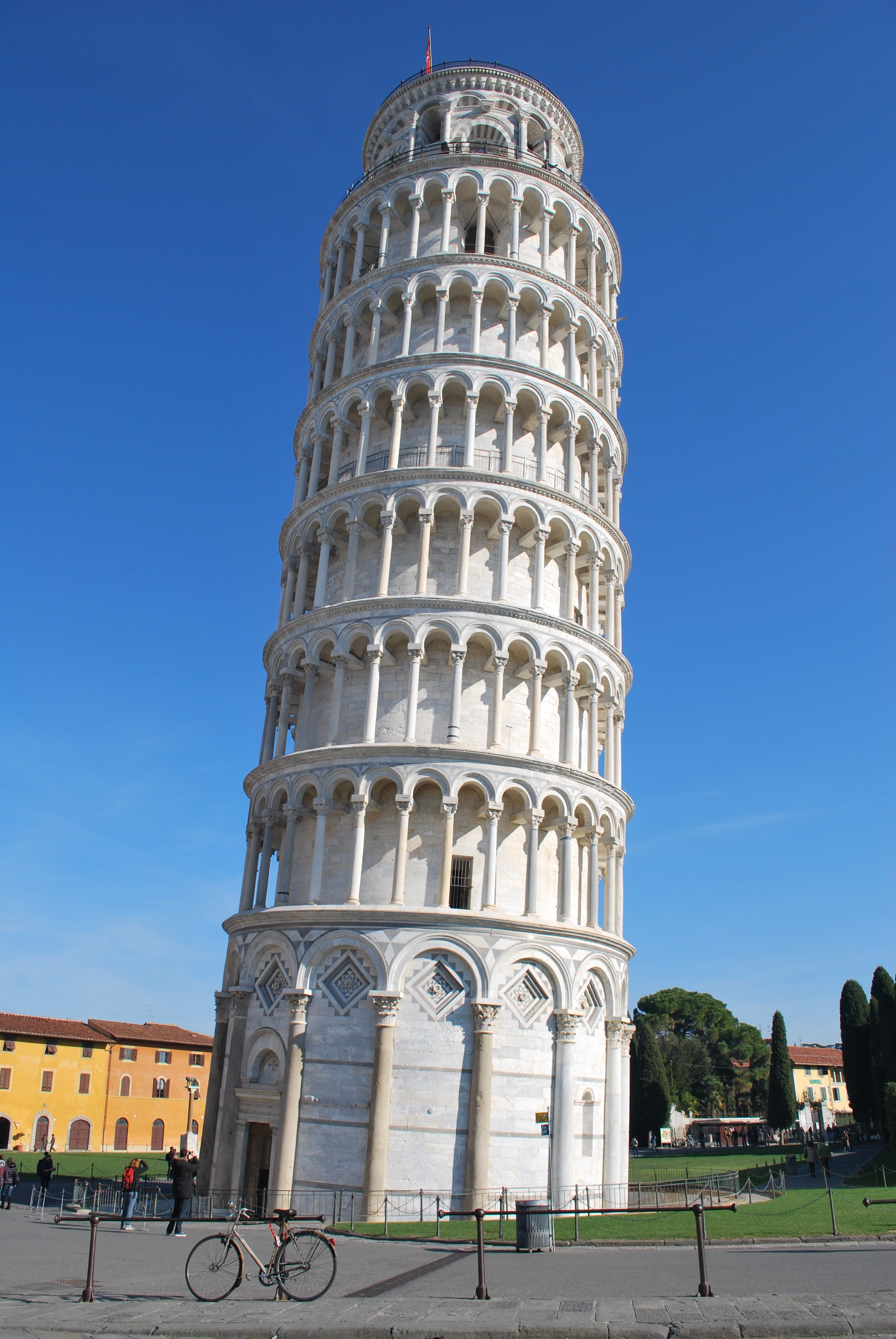Pisa lucca follow the flammias - Leaning tower of pisa ...